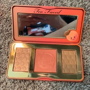 Too Faced Sweet Peach Glow cheek palette 🍑